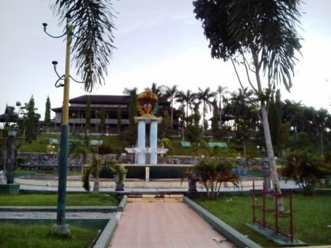 Lapangan Tugu (Alun-alunnya Pangkalan Bun)